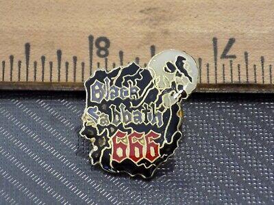X1 Vintage 1980/'s SEX PISTOLS Lapel Hat//Jacket Pin NOS Music Band