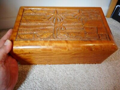 VINTAGE ASIAN HAND CARVED WOODEN LIDDED BOX FROM LEIUTENANT GENERAL  M.F.CABAL