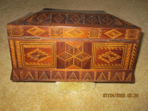 ANTIQUE INLAID WOOD SEWING BOX CIRCA 1900-1920