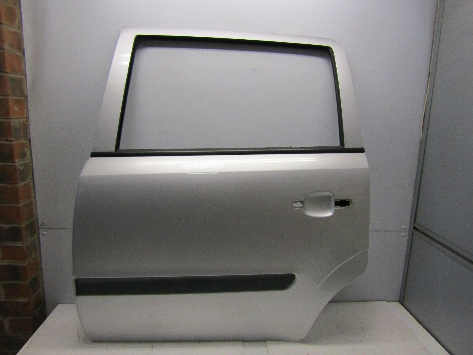 VAUXHALL ZAFIRA B 2005-11 NEARSIDE/LEFT REAR BARE DOOR (Z157 STARSILVER 3) #4082