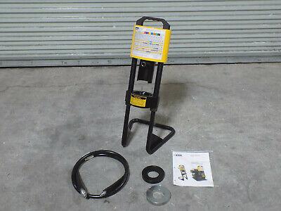 Parker Karrykrimp Portable Hydraulic Hose Crimper 1-14 Capacity 82c-061l