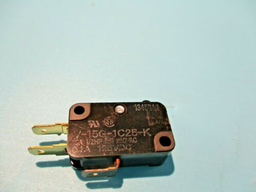 NEW OMRON V-15G-1C25-K LIMIT SWITCH 15A 1/2HP 125/250 V