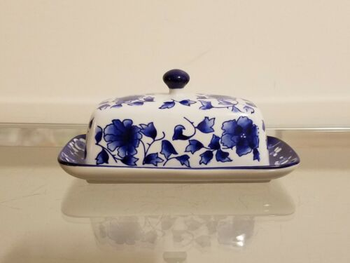 Williams Sonoma Blue & White Floral  Butter Dish NEW