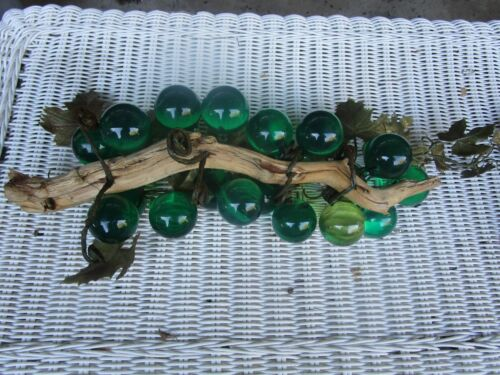 Vintage  Lucite Acrylic  GREEN Grape Cluster on Twisted Driftwood  *RETRO*
