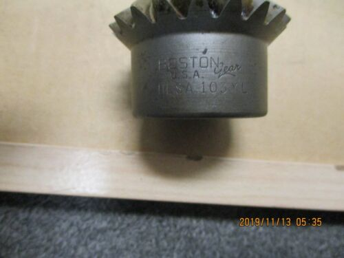 "NEW BOSTON HLK106Y MITER GEAR, 8 DP, 28 TEETH, 1-1/4"" BORE, KEYWAY 1 S.S."