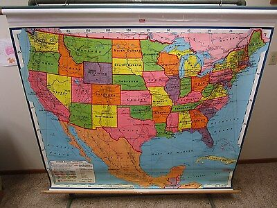 VINTAGE NYSTROM INDUSTRIAL SCHOOL PULL DOWN UNITED STATES MAP