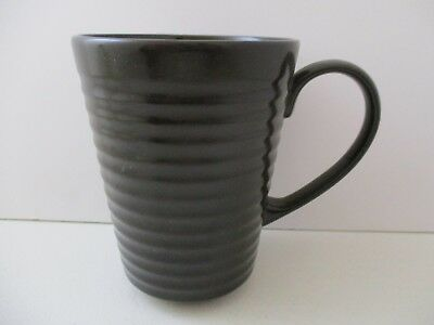 WEDGWOOD EMERIL CAFE MUG  4 1/2
