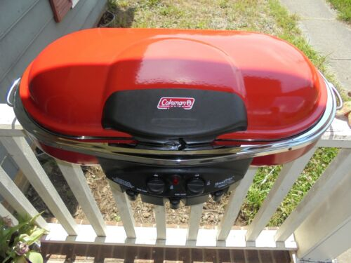 Red Coleman Road Trip Portable Grill