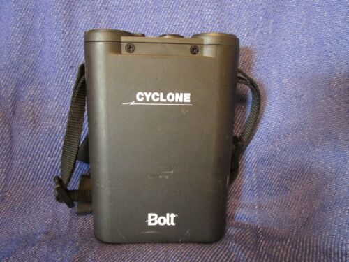 USED Bolt Cyclone PP-310 Compact Power Pack for Portable Flashes Free Shipping