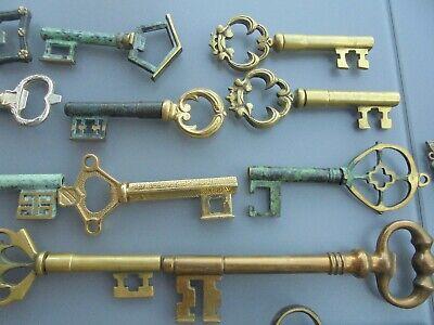 Important lot : ancien tire bouchon décapsuleur clé en bronze