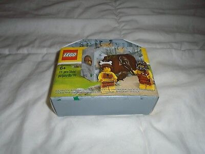 NEW AND SEALED LEGO 5004936 CAVE MAN AND WOMAN