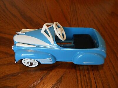 Hallmark, 1941 Steelcraft Oldsmobile Pedal Kiddie Car Classics, Diecast Metal Classic Metal Pedal Car