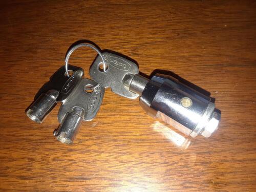 Storage Unit Barrel Cylinder Lock - Boton with 3 Keys Used, Perfect Condition
