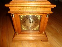 ELGIN Westminster Chime Mantel Clock Quartz Movement Works Great Desk/Shelf