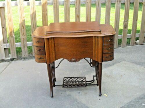 "Antique 1910s ""THE FREE #5"" TREADLE SEWING MACHINE in Beautiful Oak Cabinet  EUC"