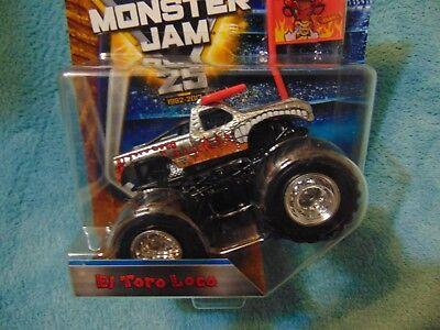 CHROME EL TORO LOCO 2017 NEW Hot Wheels Monster Jam Truck   w/ Flag