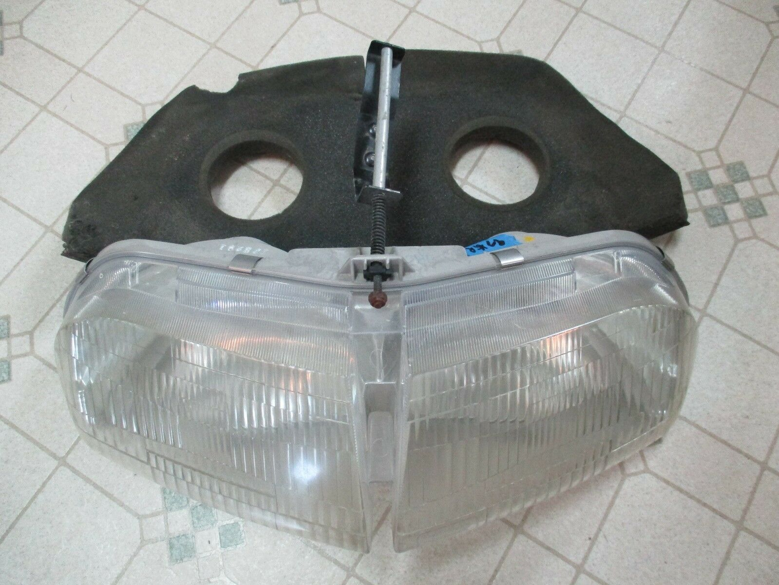 97 Polaris XCR 600 Snowmobile Headlight XLT RMK 96 98 700 ?