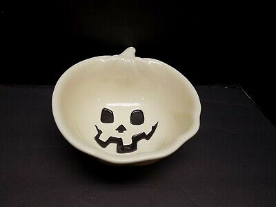 HALLOWEEN GHOST PUMPKIN CERAMIC BOWL, WHITE WITH SPIDERS! EXCELLENT CONDITION!