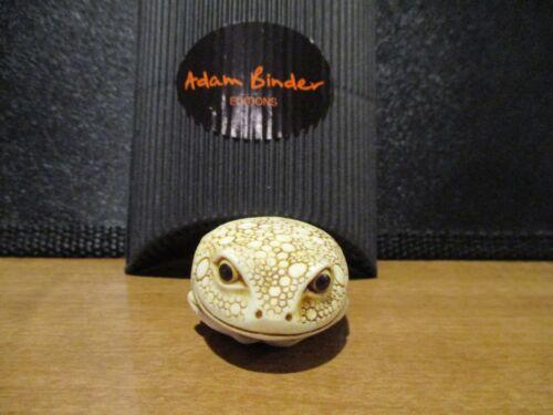 Harmony Kingdom Adam Binder Toad IvoryColored Marble Resin Palm Charm LE500 RARE