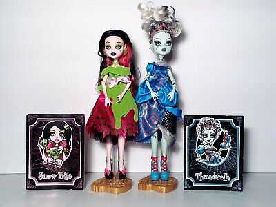 Monster High Scarily Ever After Lot of 2 Draculaura & Frankie Stein Dolls Mattel