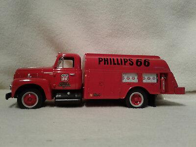 First Gear No.19-1706 Phillips 66 1957 International Fuel Tanker 1/34 Scale