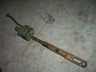 Vintage Oliver 1800 D Row Crop Tractor -3 Point Lift Link - Not Stuck