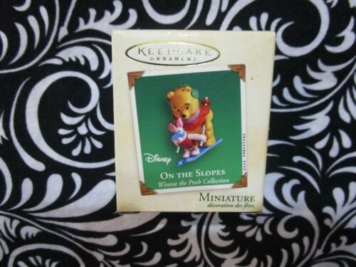 """2002 CHRISTMAS! MINIATURE ORNAMENTS WINNIE THE POOH """"ON THE SLOPES"""" T3104"""
