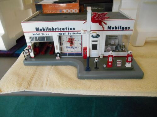 Danbury Mint Mobile Gas Station with clock in original box and paperwork
