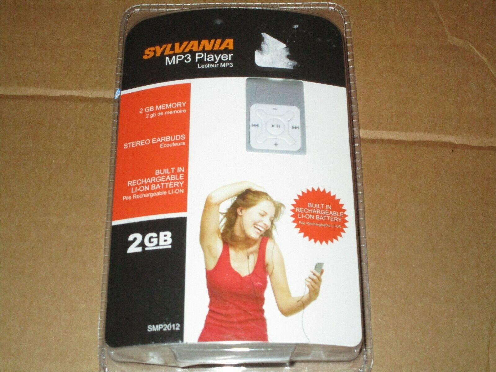 SYLVANIA MP3 PLAYER 2 GB MEMORY EARBUDS BRAND NEW SEALED MODEL SMP2012