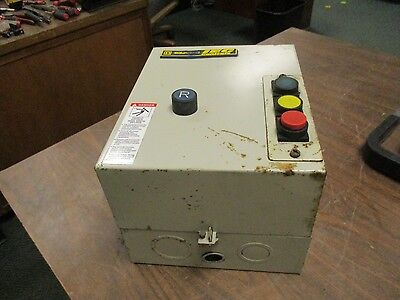 Square D Enclosed Starter Le2ud0936g6 Type 1 Enclosure 20a Used