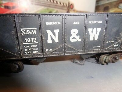 HO SCALE REVEL 1950 VINTAGE NORFOLK WESTERN 2 BAY OPEN HOPPER NO 4042 5-77-5