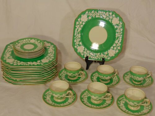 31 pc Green George Jones Crescent Rhapsody Luncheon Set Plate Cups Saucers