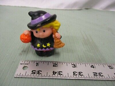 Fisher Price Little People Sarah Lynn Witch Halloween Girl Trick or Treat Toy