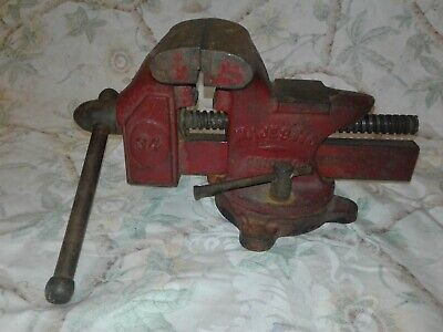 Vintage Majestic Bench Vise No. 34 With Swivel
