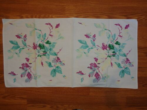 VINTAGE TABLE RUNNER WHITE PURPLE GREEN FLORAL 17X34 PERFECT EUC