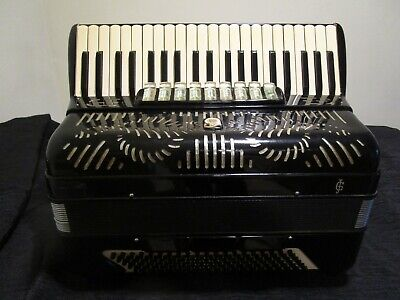GIULIETTI MODEL F-93 FULL SIZE 120 BASS ACCORDION, ACCORDEON, FISHARMONICA