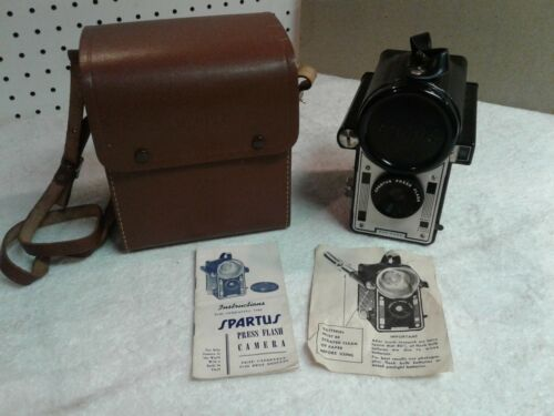 Vintage 40s Spartus Press Flash Camera With Case & Flash Cover