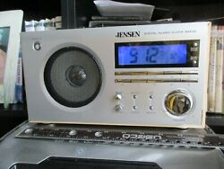Jensen JCR-425 Retro Digital AM/FM Radio Alarm Clock Tabletop Woodgrain