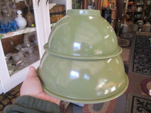 2 VINTAGE RETRO MID CENTURY Texas Ware Melamine Melmac olive Green mixing Bowls