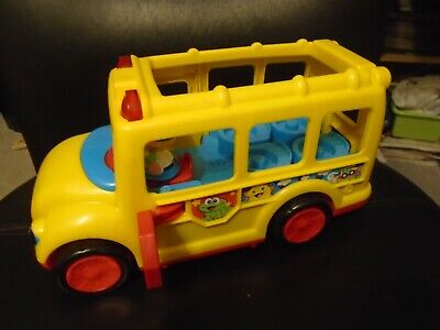 2009 FISHER PRICE LITTLE PEOPLE LIGHTS & SOUNDS SCHOOL BUS
