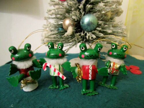 VINTAGE 4 WOOD FROGS, FAUX FUR COLLARS CHRISTMAS ORNAMENTS RARE
