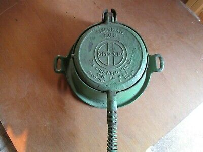 Vintage Griswold #8 Waffle Iron with Base