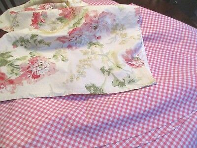 """Screen Print /RICHLOOM. Designer  90-"""" round table cloth with 50""""square topper"""