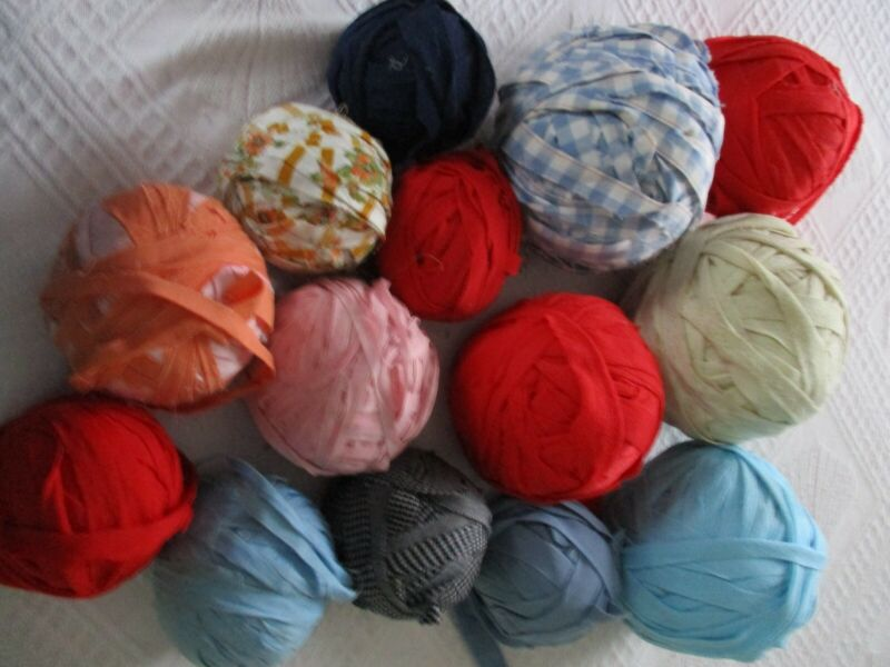 PRECUT FABRIC STRIPS FOR RAG RUGS 10 POUNDS  LOT #2