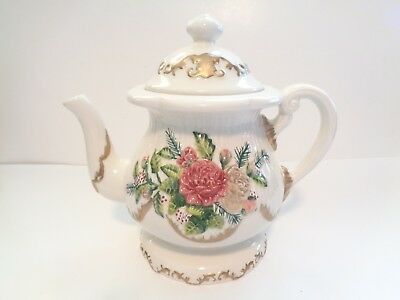 Ceramic Christmas Teapot With Flowers And Mistletoe Gold Colored Trim 42 Ounces