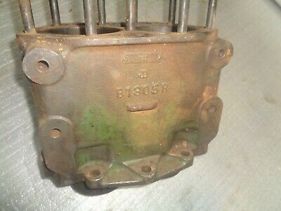 John Deere B. Early Styled B Engine Block B1305r