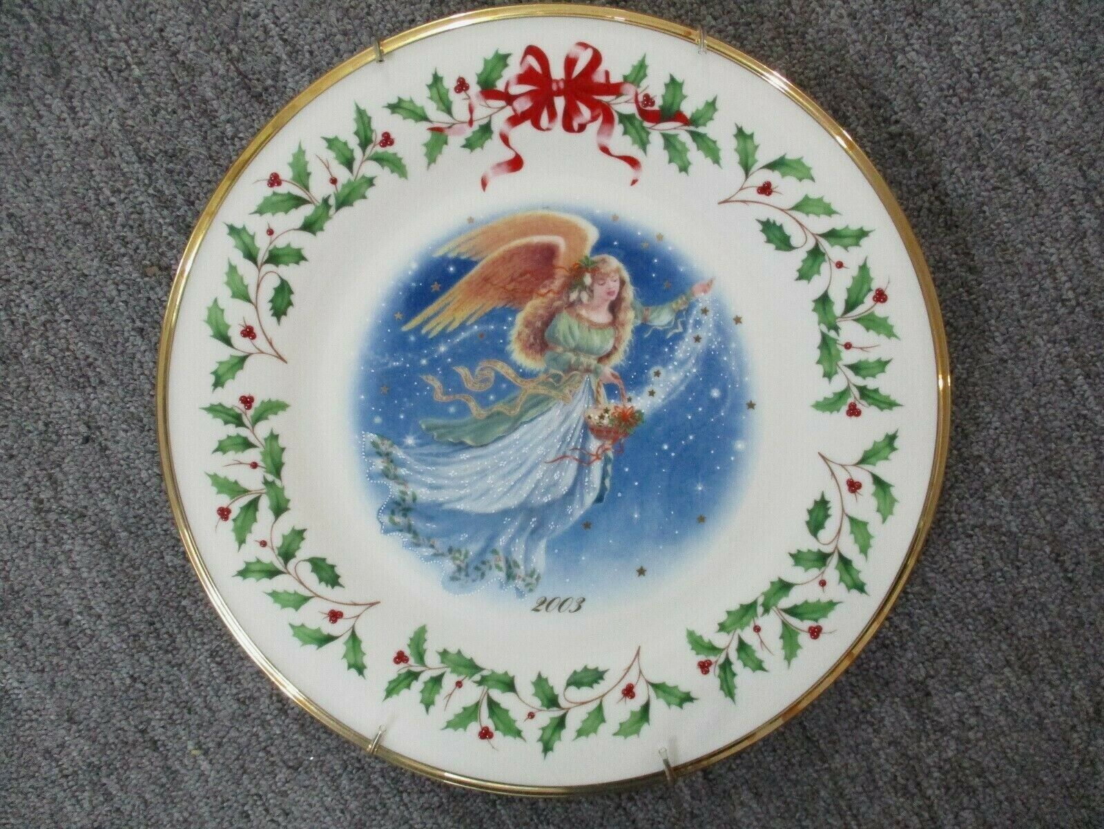 Lenox Annual Holiday Collectors Christmas Plate 2003 Angel