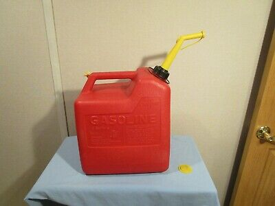 Chilton 6 Gallon P60 gas can