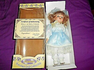 Photo MEMORIES COLLECTIBLE PORCELAIN DOLL IN BOX WITH CERTIFICATE OF AUTHENTICITY