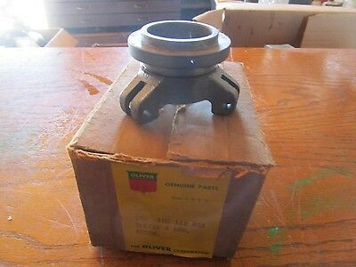 Oliver Tractor 770880 Brand New Power-booster Clutch Bearing Sleeve Nos Rare